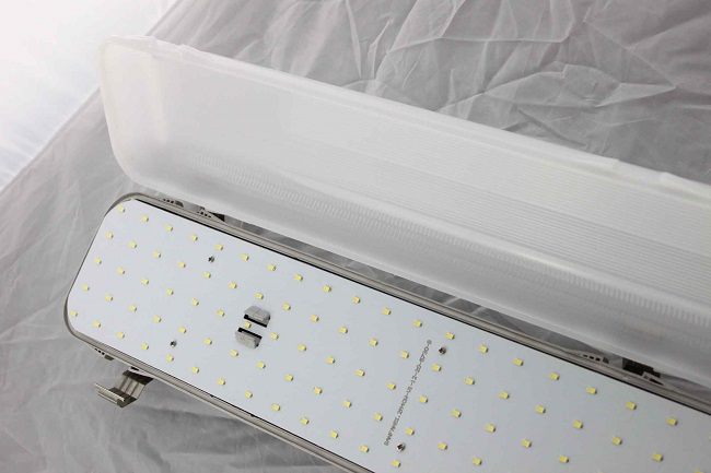 Warm White LED Tri Proof Light Fluorescent  40W With High Hardness PC Cover